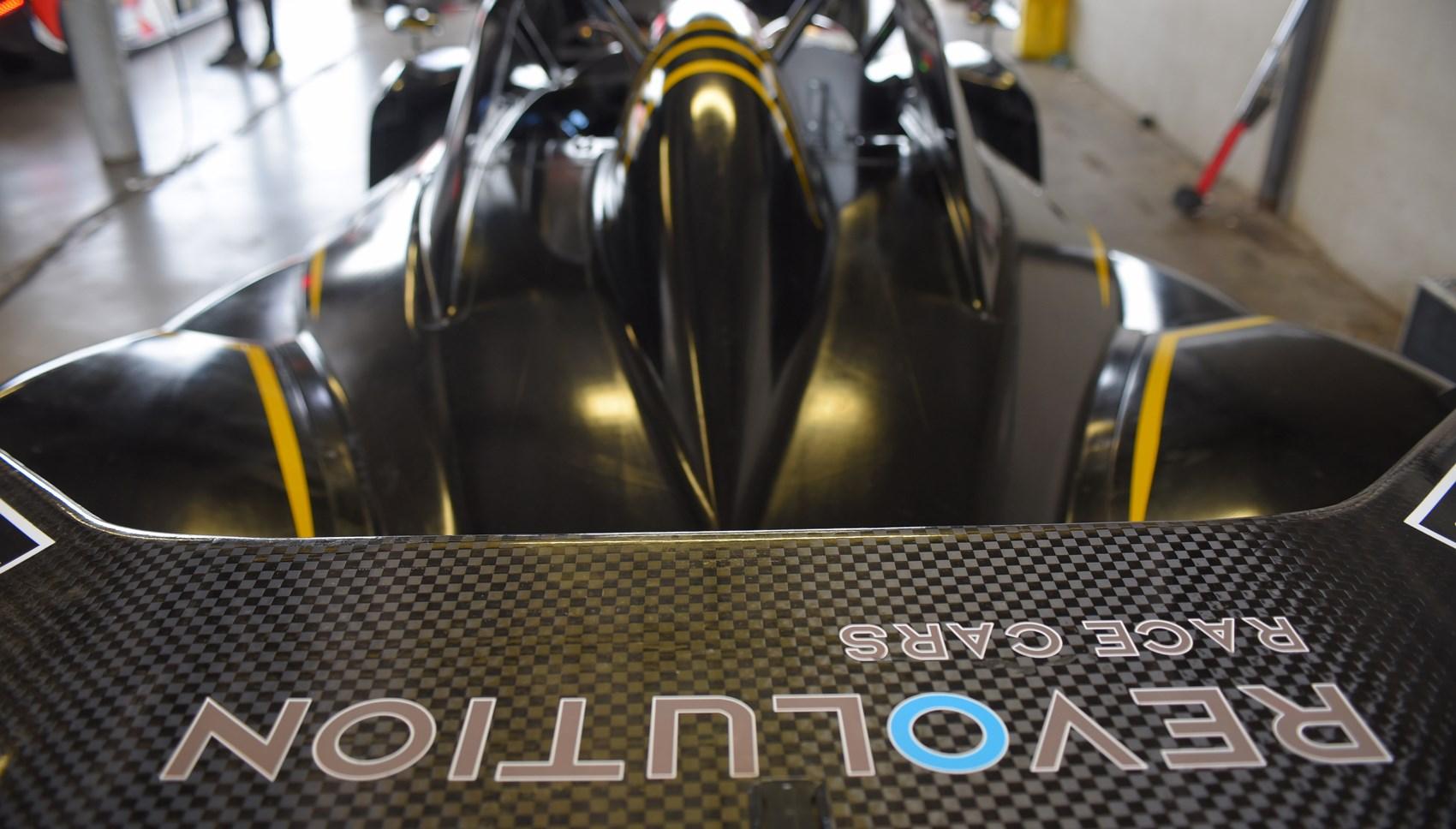 Revolution A One评论 创新的新型运动赛车手