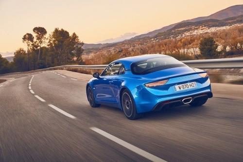 Alpine A110S带来更多动力和更多碳纤维