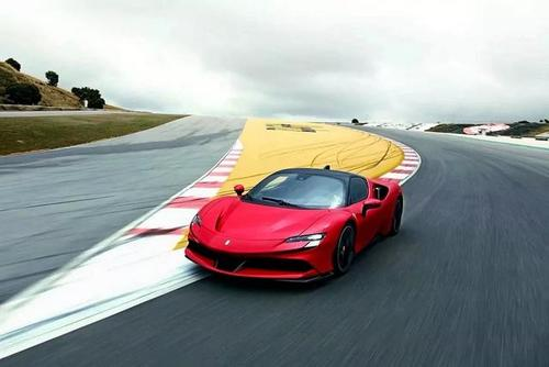 法拉利SF90 Stradale马拉内罗的986bhp2.5秒混合动力车揭晓