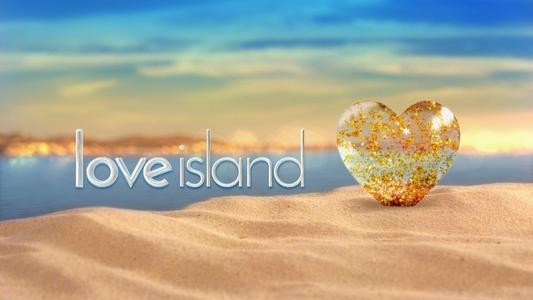 我们对LOVE ISLAND的内饰进行评分