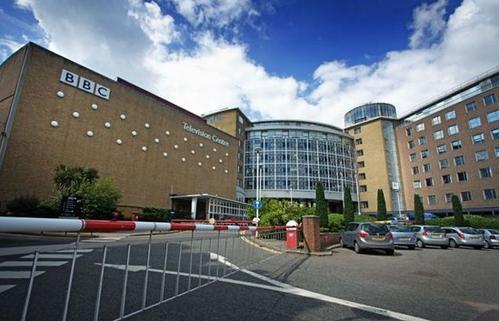 BELLA FREUD斥资380万英镑打造的BBC建筑公寓的室内创意