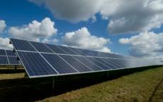 对于便宜的太阳能电池 更薄的确更好