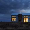 波纹钢为GlowDesignGroup的澳大利亚乡村住宅提供了坚固的外墙