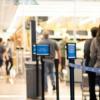沃尔玛和塔吉特移动商店正在限制购物者