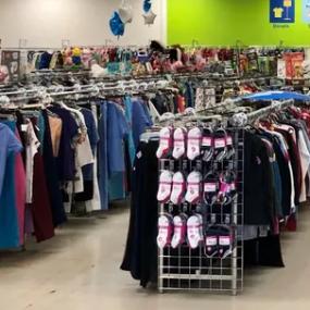 纽约州西部的旧货店将在第一阶段之后重新开放