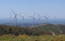 可再生能源在欧盟发电中取代了化石燃料